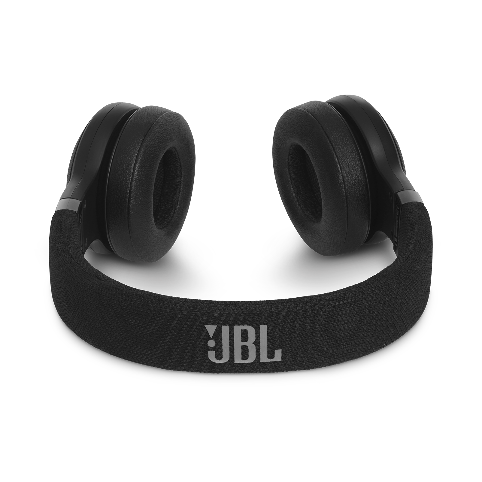 JBL E45BT - Black - Wireless on-ear headphones - Detailshot 3